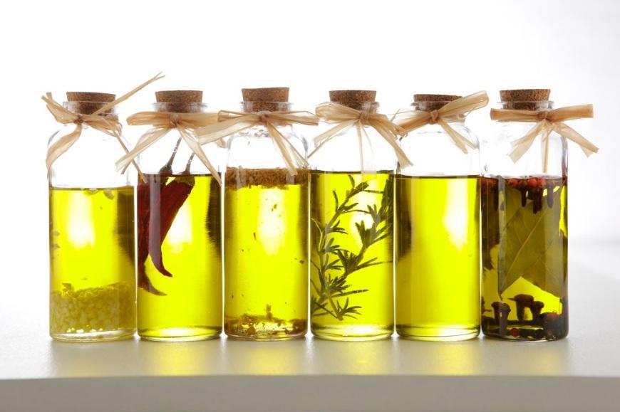 Olio aromatizzato - foto via donnaclick.it