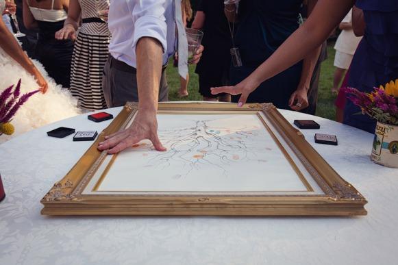 Fingerprint Guestbook - foto via dinofa.com