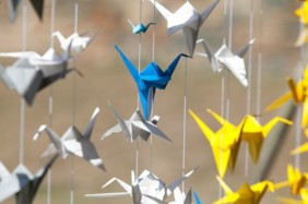 Origami Wedding - foto via weddingomania.com