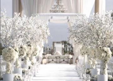 White wedding - foto via weddingdogsitter.com