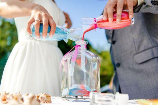 Cerimonia della sabbia - foto via matrimonio.pourfemme.it